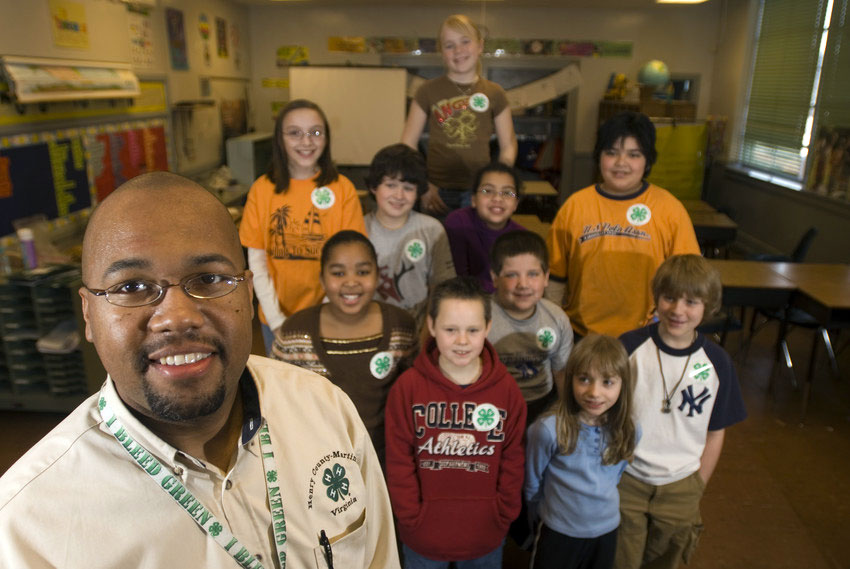 4-H Agent Brian Hairston and 4-H members in Henry County.